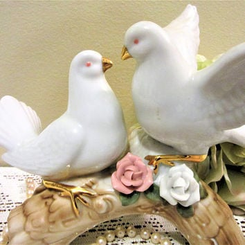 Doves Wedding Cake Topper White Turtle Love Birds Pair Porcelain Figurine Vintage blm
