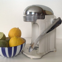 Juice-O-Matic Juicer