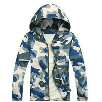 Camo Hooded Jacket by Tangnest