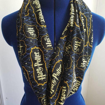 Harry - potter - hogwarts - Gryffindor - hufflepuff - ravenclaw - slytherin - wizard - wizards - muggles - infinity - single - loop - scarf