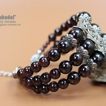 Stone jewelry. Beaded bracelets. Bracelet garnet beads. Bracelets for women.