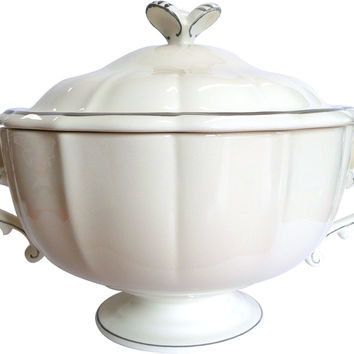 GIEN Filets Bleus Soup Tureen / Covered Vegetable