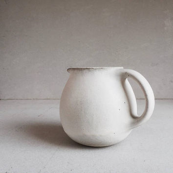WHITE PITCHER 56 oz, ceramic, pottery, jug, round pitcher, big pitcher, minimal, minimalist, vessel, pot