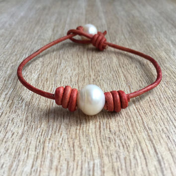Red Leather Pearl Bracelet, Genuine Freshwater Pearl Bracelet, Red Bangle Bracelet, Pearl Bracelet, Beaded Leather Bracelet, Boho Bracelet