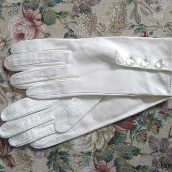 Vintage 1980s Gloves NOS White Kid Leather Short Driving Gloves 7