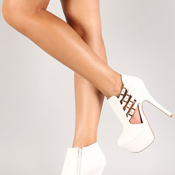 Qupid Psyche-62A Cut Out Round Toe Platform Bootie