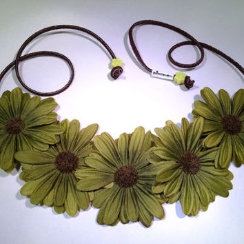 Green Daisy Flower Headband, Flower Crown, Flower Halo, Festival Wear, EDC, Ultra Music Festival, Rave