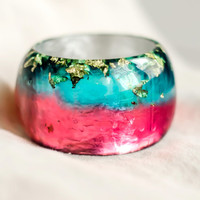 S size resin bangle. Mixed colors crystal resin. Gold Flakes resin bracelet. Fuchsia & Turquoise. Silver Foil at the backside. Modern bangle