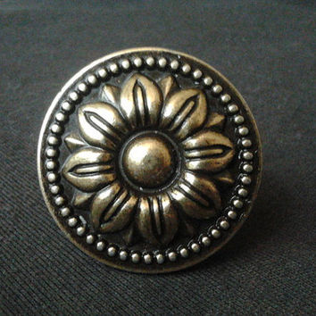 Antique Bronze Dresser Drawer Knobs Pulls Handles Sun Flower / Kitchen Cabinet Knobs Pull Handle / Vintage Furniture Knob Brass Hardware 111