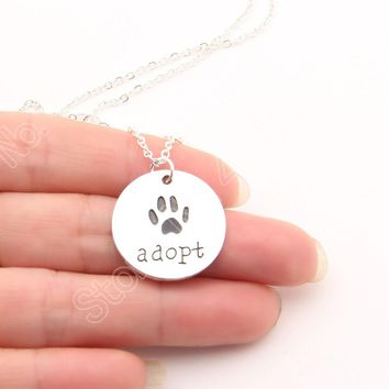 New Arrival Adopt Pet Dog Paw Print Necklace Memorial Tag Necklaces Pendants Girl Gift Charm Women Choker Jewelry Lead Free