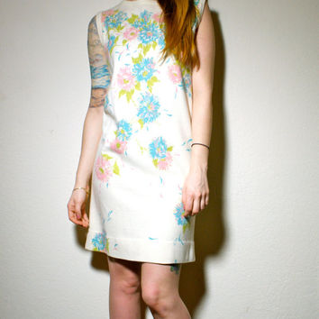 60s Mod Mini Woodstock Poppy Pastel Sleeveless Spring Twiggy Mod Mini Dress Small S