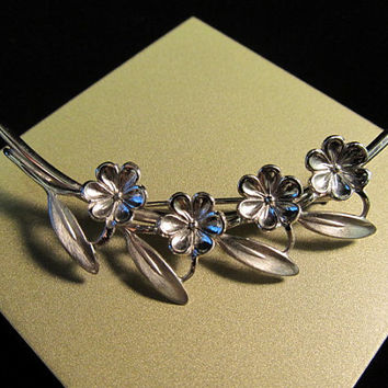 BEAU 1960s Sterling Flower Pin