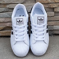 """Adidas"" Fashion Shell-toe Flats Sneakers Sport Shoes White black line"