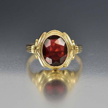 Art Deco Gold Garnet Ring