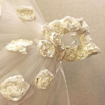 Stunning Diamante Flower Lace Eye Mask Venetian Masquerade Party Prom Ball Beige