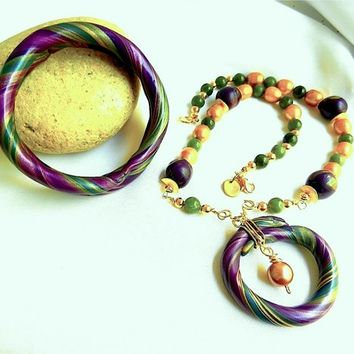 Plum, Gold and Jade Necklace, Bangle Bracelet Set by Polly_Ceramica
