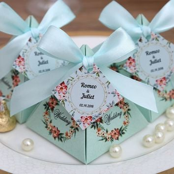 50 pcs Free Shipping Pink/ Purple/ Tiffany Blue Floral Pyramid Wedding Favor Candy Boxes Bridal Shower Party Paper Gift Box