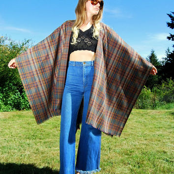 Vintage 60s Mod Cape, Plaid Wool Poncho, Boho Hippie Festival Blanket Coat, Cloaks and Capes, Wool Kimono, Drug Rug, Plaid Poncho Cape