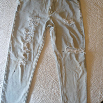Distressed Distroyed Bleached Frayed Boyfriend High Rise Blue Jeans Merona