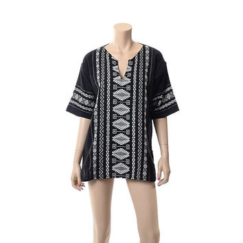 Vintage Black & White Mexican Embroidered Tunic Top 70s 80s 90s Woven Cotton Guatemala Hippie Boho Caftan Shirt