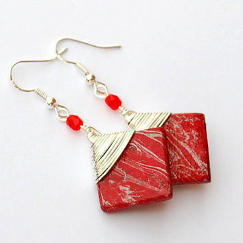 Wirewrapped red earrings with handmade square marble effect beads. Unique jewelry for womens gifts.  Wire wrap. Red and silver.