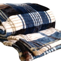 Winter Cabin Flannel Polyester Throw Blanket