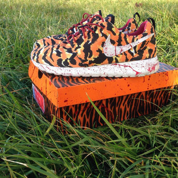 Nike roshe run bloody bengals