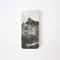 iPhone 5/5s Case - Black Mountain iPhone Case - iPhone 5s case - iPhone 5 case - Hard Plastic or Rubber