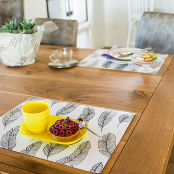 Set of 10 Stylish Placemats with Feathers