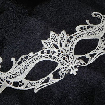 Lace Masquerade Mask - Available in Black and White