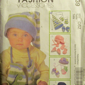 Sale Uncut McCall's Sewing Pattern, 5539! Infants/Toddlers/Baby Hats/Mittens/Booties/Winter Accessories/Warm Clothes