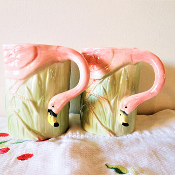 Pair Vintage Flamingo Coffee Mugs, Florida Flamingo Mugs, Miami Beach Coffee Cups,  2 Vintage Flamingo Kitschy Mugs