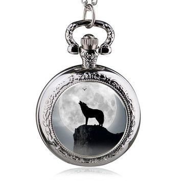 Elling Fashion Trendy Wolf Pattern Patch Pocket Watch Male And Women Wild Fashion Table Hanging Table Large Numbers Turned