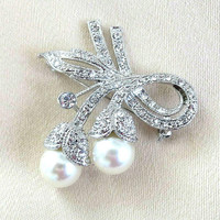 Pave Clear Rhinestones Flower Brooch with Large Glass Pearls Vintage