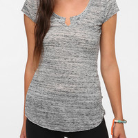 Urban Outfitters - Nesh Long Scoop Tee