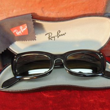Authentic Vintage B & L Ray Ban CHASE Black Cat Green Tint SUNGLASSES