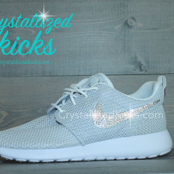 NEW Nike Roshe Run Metallic Platinum made with SWAROVSKI crystals
