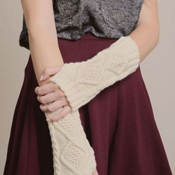 Cream Diamond Cable Knit Arm Warmers