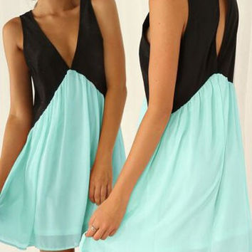 Black and Green V-Neck Chiffon Dress