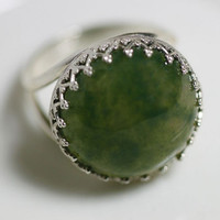 Green Agate Ring. Sterling Silver Round Ring with Green Agate