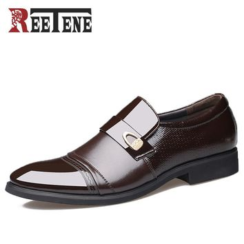 Slip on Business Dress Shoes Men Pointed Toe  High Quality Patent Leather Casual Shoes Men Oxfords Shoes New Flats