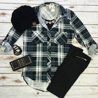 What I like about you Plaid Top: Black/Grey