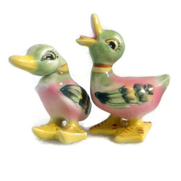 Just Ducky -Mint Vintage Duck Couple Salt & Pepper Shakers - Mid-Century made in Japan - Adorable Little Ducks
