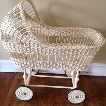 Vintage 1950 Wicker Bassinet