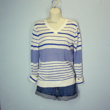 Vintage 70s Sweater / Soft and Thin / Blue Striped Sweater
