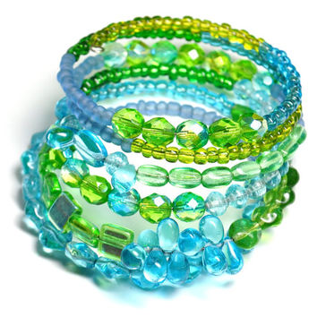 Blue and Green Memory Wire Bracelet Ocean Colors made with Seed Beads and Czech Glass