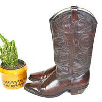 vintage DINGO distressed leather cowboy boots // brown embossed leather western shoes // women's 7M