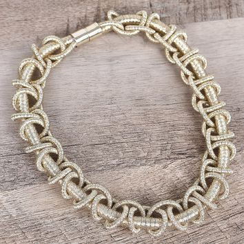 Twisted Metallic Wire Collar Necklace