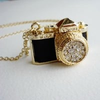 Free shipping -Vintage Gorgeous Camera Necklace in Black leather and Gold body Tone