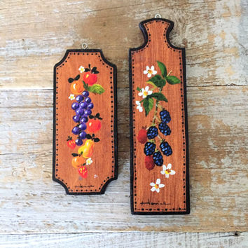 Floral Wall Art 2 Small Wooden Paintings Folk Art Wall Art Berry and Flower Art Rustic Wall Hangings Hand Painted Wall Plaques Cottage Chic